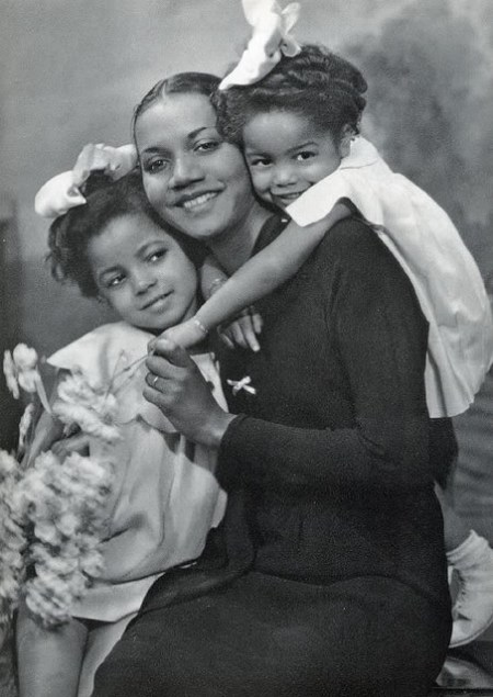 Mother&Daughters
